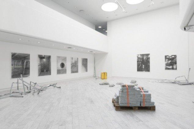 Installationsview fra udstillingen Hauntings, Tranen, Gentofte Hovedbibliotek, 2015. Foto: Asbjørn Skou