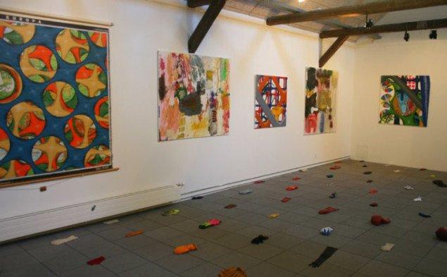 Roligheds malerier virker lidt ude af trit med resten af udstillingen. Foto: Kristian Handberg.