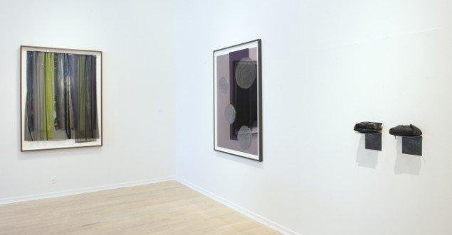 Ruth Campau. Behind the Dark Curtain, 2015. Ruth Campau: Blobs for Yves, 2015. Anita Jørgensen: YB2 og YB3 2015. Foto: Torben E Meyer