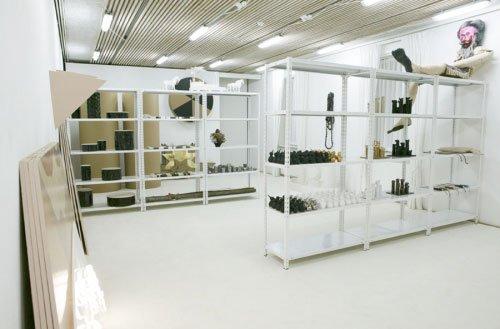 Lager, vue over det ene udstillingslokale. Foto: Louise Kontala