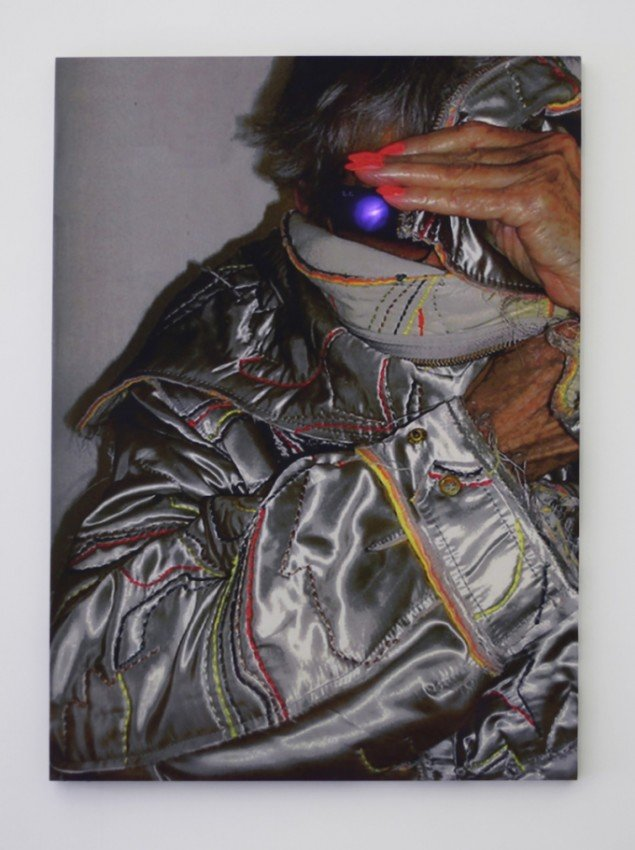 Endless Summer (Terminator/Elaine Sturtevant), 2012. Digital print på silke, træramme, LED kit. Loop. 135 x 182 cm. Foto: Gro Sarauw
