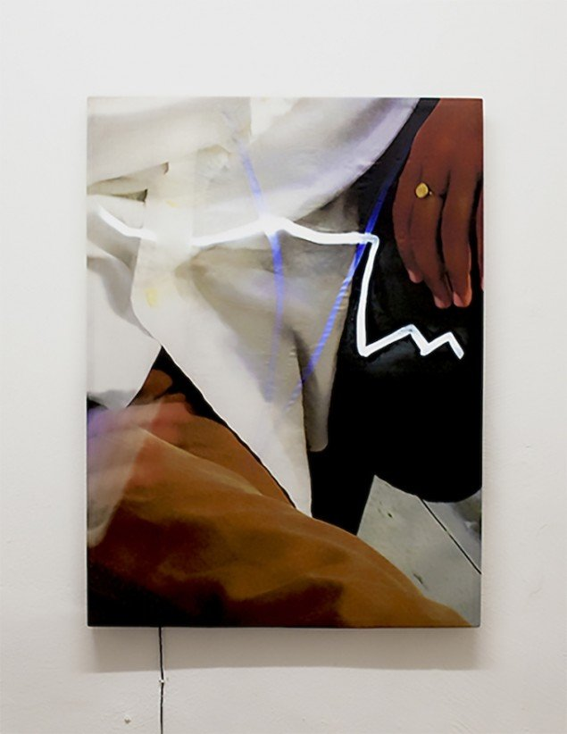 Susan Auto Duro, 2015. Still fotografi. Digital print på silke, træramme, LED, Arduino. 72 x 100 cm. Foto: Gro Sarauw