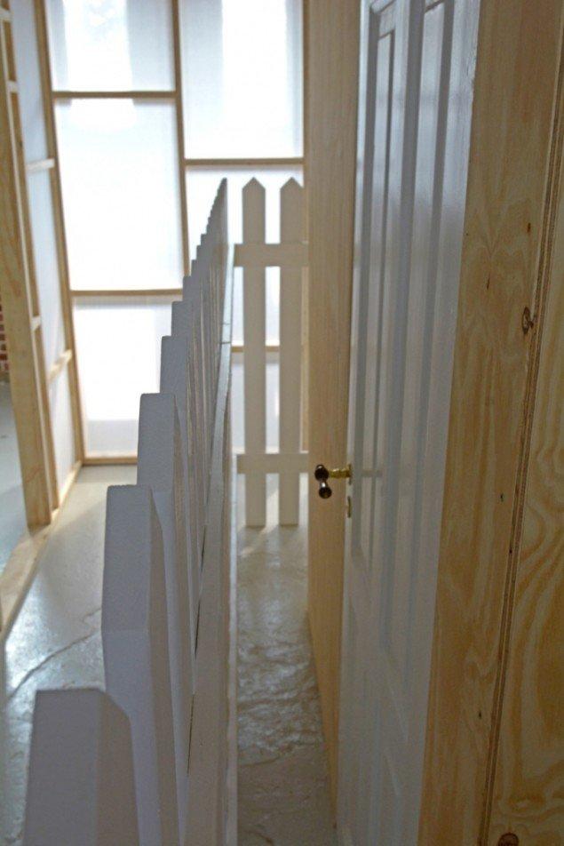 Lene Desmentik: Muren, væggen og døren. Foto: Erik Balle