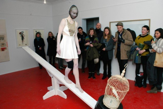 Abstract Performance, Balancing Act (945 Breaths), 2012. Pop-Up-Galerie Egelund. Foto: Torben Zenth