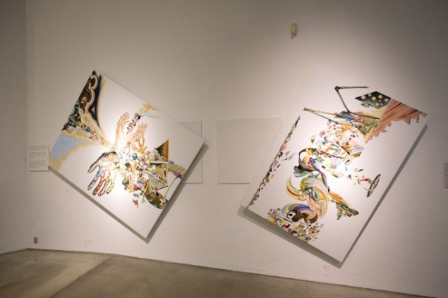 Med på udstillingen er også et par af Bigums roterende billeder, der drejer rundt og kan aflæses fra alle sider. Udstillingsview. Foto: Nils Rosenvold.