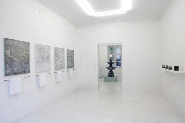 Installationsview fra udstillingen Wellness, 2013, Marie Kirkegaard Gallery. Foto: Carsten Nordholt