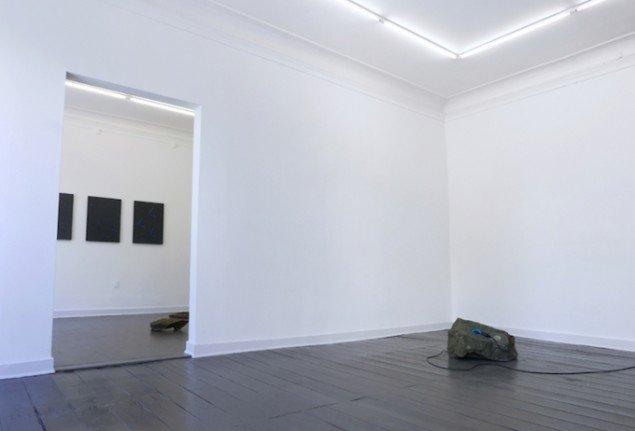 Installationsview fra udstillingen New Works for Extraterrestrials, 2015, Marie Kirkegaard Gallery. Foto: Marie Kirkegaard