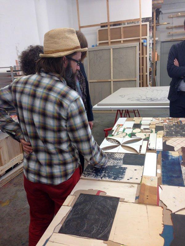 Peter Linde Busk i sit atelier. (Foto: Pernille Wahlgren)