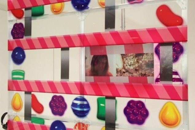 Louise Rosendal & Franco Turchi: Window, installationsview, 2015. (Pressefoto, Tranen)