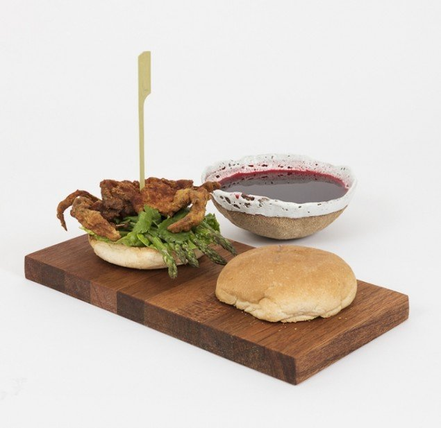 Soft Shell Crab Sandwich, 2015. Fra udstillingen Menu (Konsistens og assimilation). Foto: David Stjernholm
