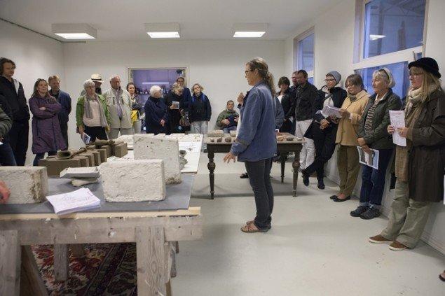Sophus Ejler og Marianne Jørgensen: Keramik på husvægge i Selde, 2015. Foto: Barbara Katzin