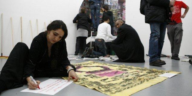 Deltagere under udstillingsprojektet Emergency Room ved MoMA PS1. Foto: copenhagenbiennale.org