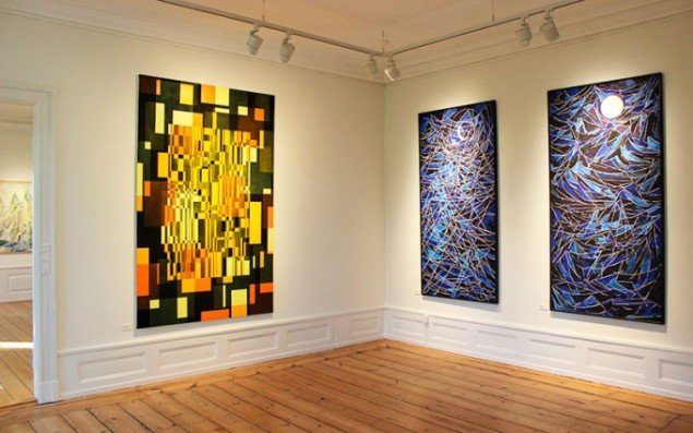 Installationsview fra udstillingen Abstrakte Kvinder på Rønnebæksholm (Foto: Dina Vester Feilberg)