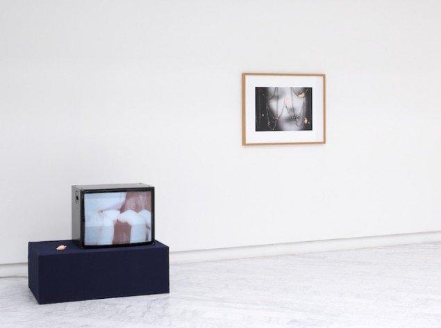 Installationsview fra udstillingen Doll Furious på Tranen, 2014. Foto: Jan Søndergaard