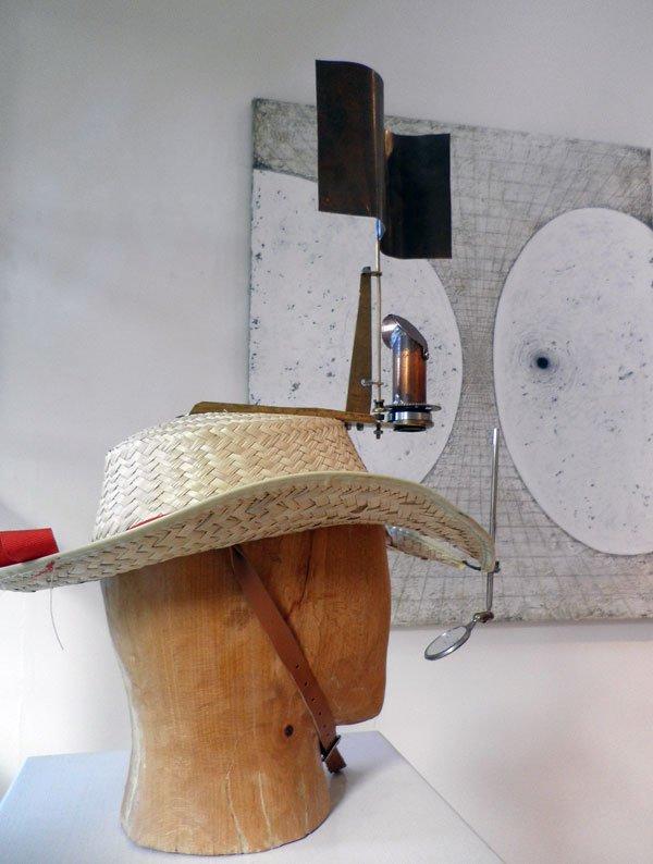Hartmut Stockters udflugtsredskaber (skulptur). (Foto. Kristian Handberg)