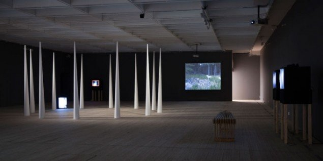 Installation view. Light Time Tales, Malmö Konsthall, 2015. (Foto: Helene Toresdotter)