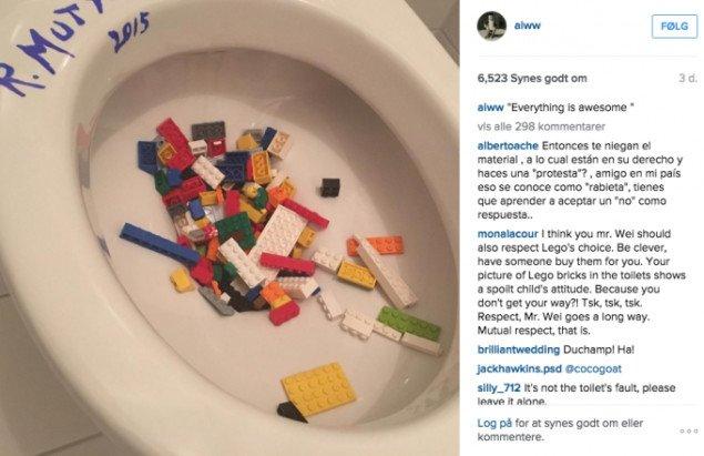 Ai Weiwei protesterer via Instagram med reference til Marcel Duchamps ikoniske readymade Fountain. Foto fra Instagram.