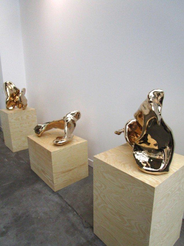 Bronzeskulpturer af A Kassen, præsenteret hos Nicolai Wallner på FIAC: Bronze Pour X, XI, VII, 2015. Foto: Stine Nørgaard Lykkebo