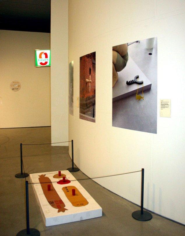 Papfars tidligere aktion på ARoS er dokumenteret på den aktuelle udstilling. Foto: Maja Egelund