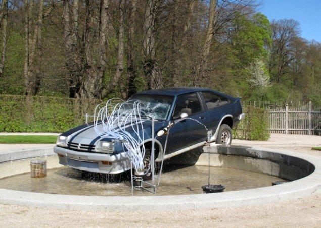 Großer Springbrunnen mit Fontäne - cheers for the last time, Gl. Holtegaard, 2013. Foto: Vinyl-Terror & -Horror