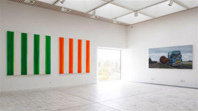 Malerier af Viera Collaro og gæsten Allan Otte. Foto: Anders Sune Berg