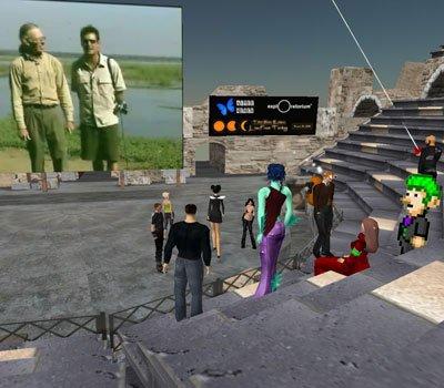 I Second Life er der skabt flere visningsinstitutioner. Her er det screenshots fra Splo Museum