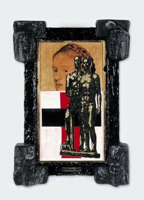 `Malevich between two wars´. Irwin har skabt mere end 500 ikoner. Her er Malevich's abstrakte avantgardekunst sat sammen med en naziskulptur og en tysk fräulein. Foto: Irwin.