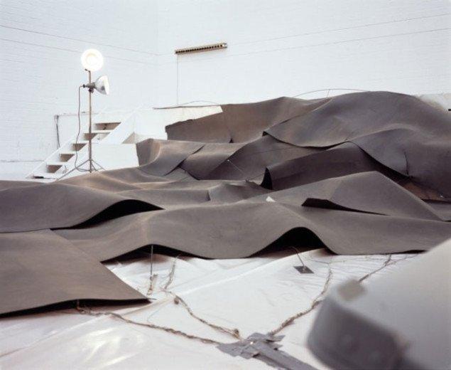 Study for Longing/Seeing af Kerstin Ergenzinger, installationvue. Pressefoto