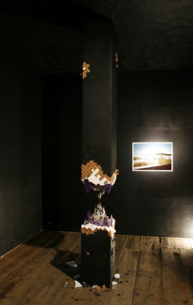 Broken Tommy Støckel: Pillar (for Berlin), 2007, Sparwasser HQ, Berlin. Pressefoto