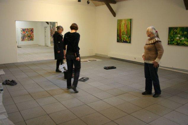 Anna, Gitte og Ingrid under kurateringen. Foto: Bente Jensen.