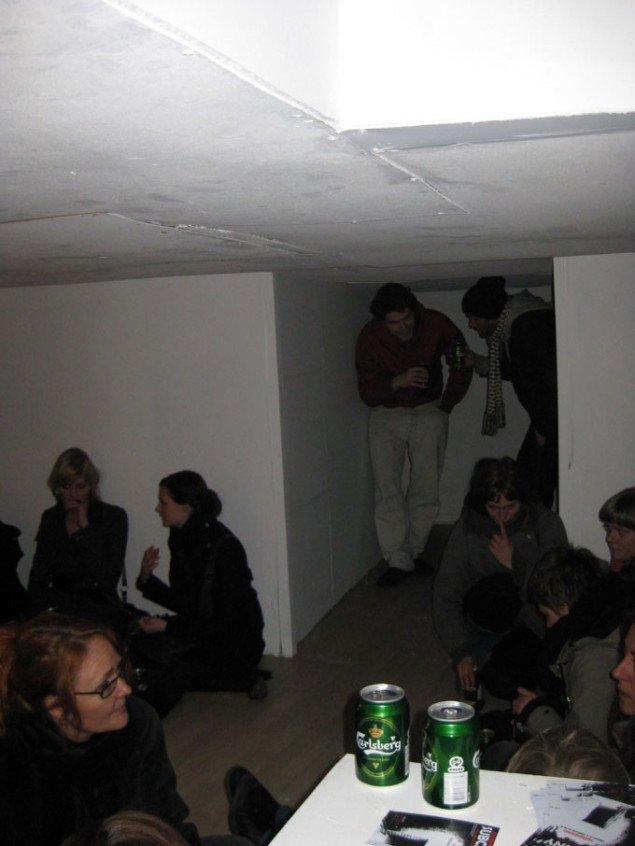 Den festlige stemning og ikke uhyggen fyldte MACHWERKET til fernisering af Subcanny. Lars Hempler og Anders Reventlov Larsen, Subcanny, 2009. Foto: Kasper Lie.