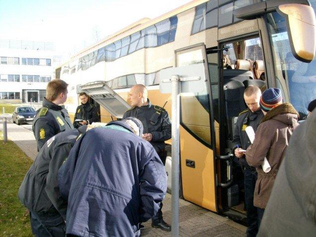 Pludseligt besøg af ordensmagten. Cpr. gives og projektet får nye dimensioner. Foto: Line Møller Lauritsen