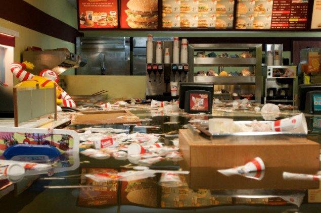 Videostill fra Superflex' værk Flooded McDonald's, 2008 (pressefoto/Superflex)
