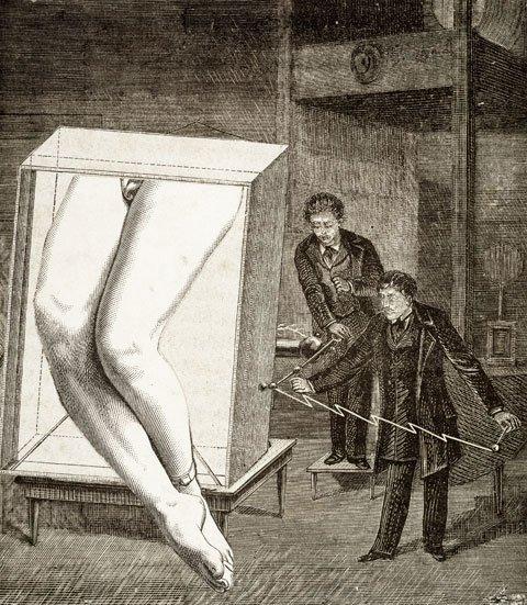 Sammenklippede populærtryk som direkte adgang til det underbevidste. ... og mislykket for tredje gang, illustrationsforlæg til La femme 100 têtes, Max Ernst, 1929, Foto: Jacques Faujour, Centre Pompidou, Musée national d'art moderne/Centre de
