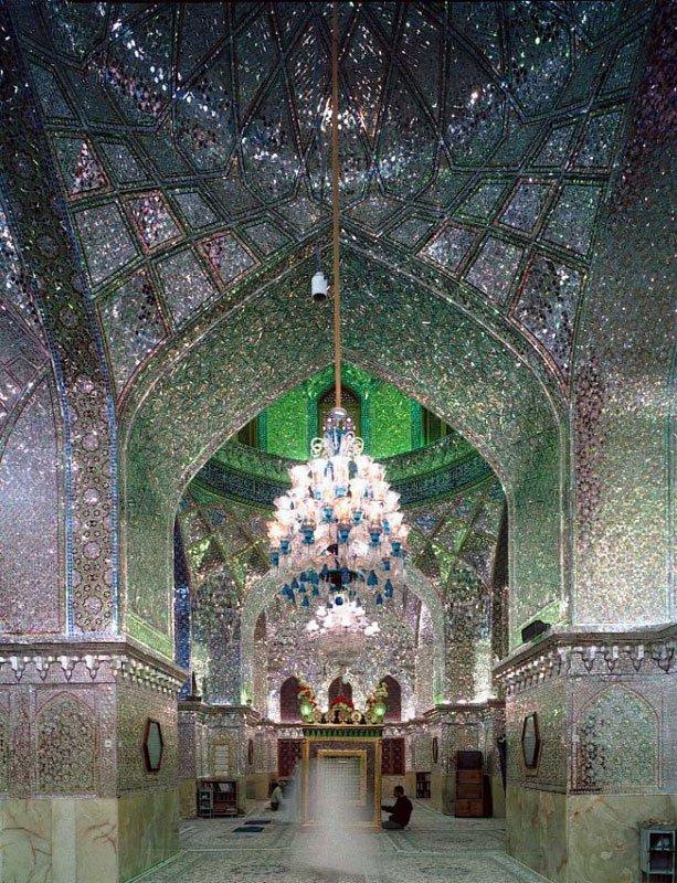 Fra serien af religiøse rum. Her fra en iransk moské. (pressefoto)