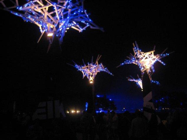 Lystræerne, der skabte stjerneskyer på nattehimlen over festivaldeltagerne var også et af festivalens stille men fine indslag.