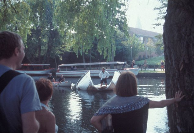 Folding, 25 min. performance. Odense International Performancefestival 1999.