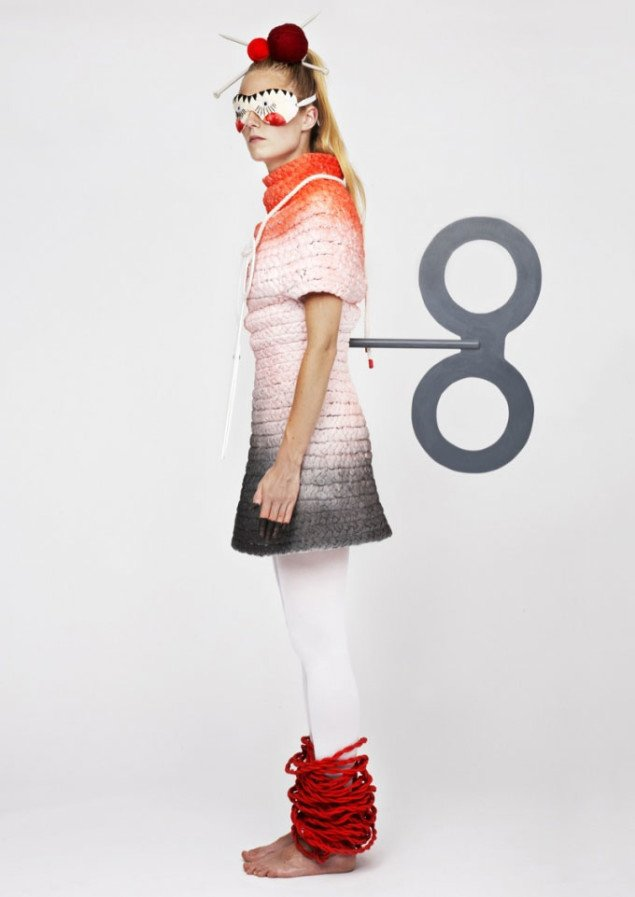Et af de syv kostumer fra filmen, der er fremvist på fotogafier i Senko Studio. Foto: Karen Juel Harmsen.