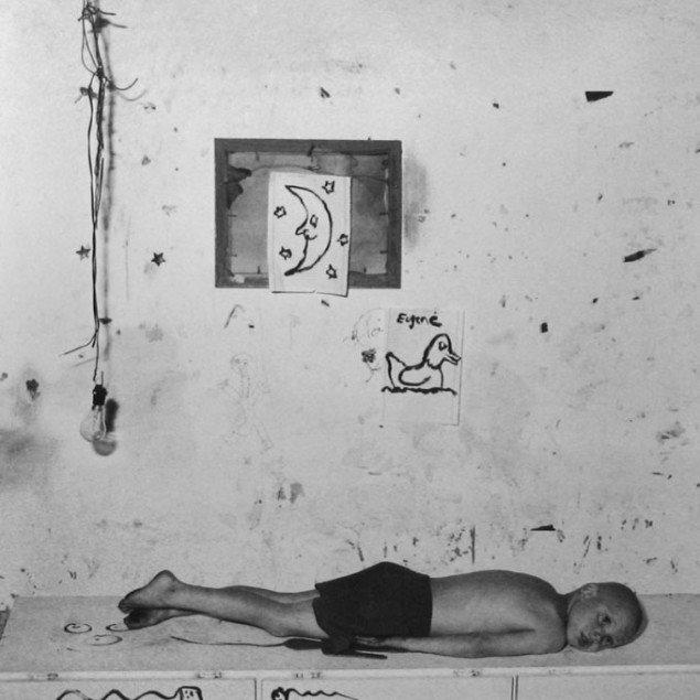 Roger Ballen: Under the moon, 2000. Pressefoto Galerie Wolfsen