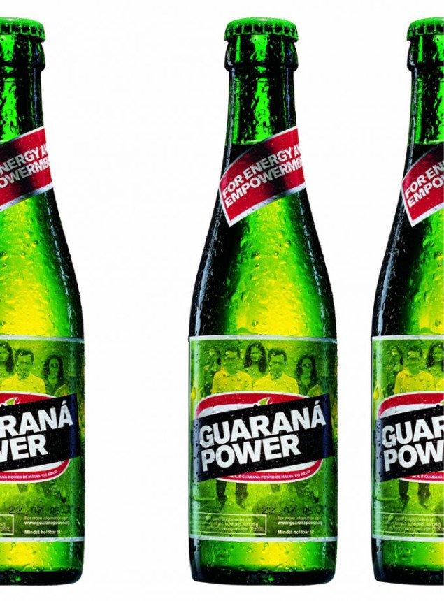 En Superflex-klassiker: I Guaraná Power-sodavanden brugte brasilianske guaranábønder deres egne råvarer og kopierede processen og logoet fra et af Sydamerikas store producenter af guaraná-sodavand. Pressefoto