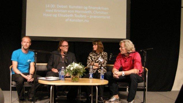Matthias Borello, Christian Have, Elisabeth Toubro og Kristian Von Hornsleth debaterer finanskrisen. (Foto Solveig Lindeskov Andersen)