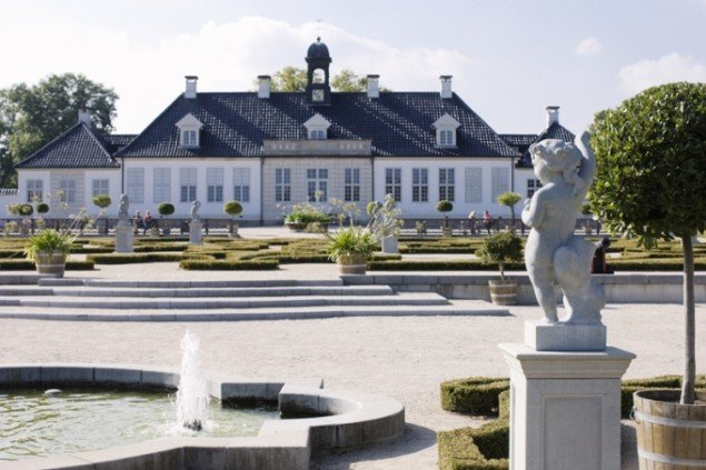 Nogle af værkerne på KE 09 vil blive udstillet i Gl Holtegaards barokhave. Foto: Hans Ole Madsen