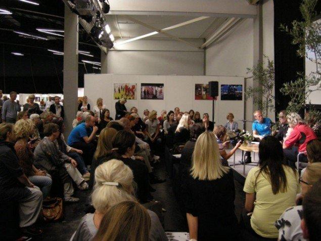 Et view over debatten på ART COPENHAGEN, hvor Have debaterede med kunstneren Kristian von Hornsleth og udvalgsformand Elisabeth Toubro fra Statens Kunstråd. (Foto: Solveig Lindeskov Andersen)