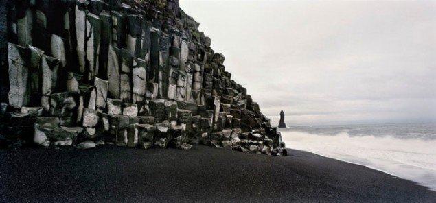 Henrik Saxgren, Fallos, Iceland, Black Beach, Iceland, 2004. Fotografi.