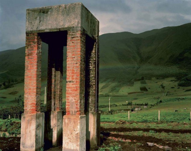 Henrik Saxgren, Water Tower, Ecuador, 2001.