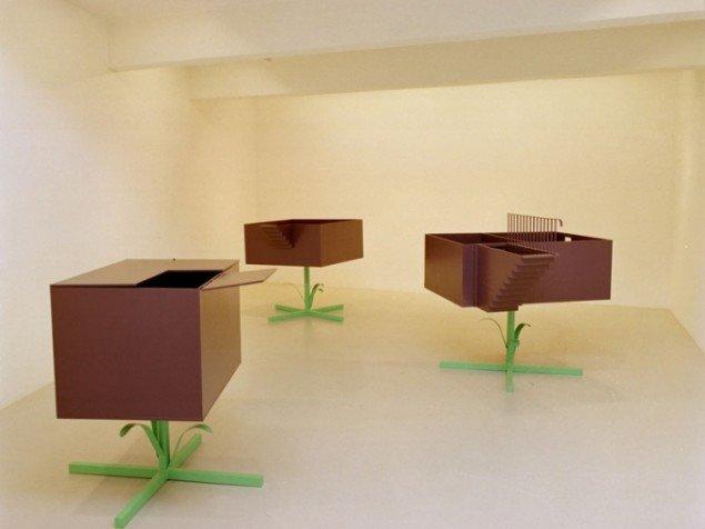 Truls Melin: Kælderblomster, 2001. (Installationsview Galleri Lars Bohman, Malmø)