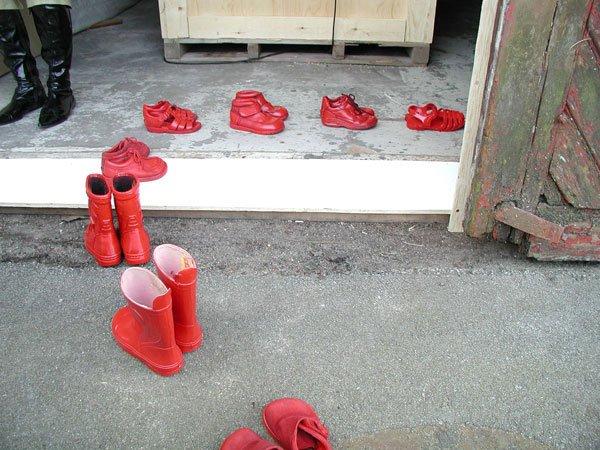 Røde pigesko ved Kunstnerværkstedet  Spanien 19B