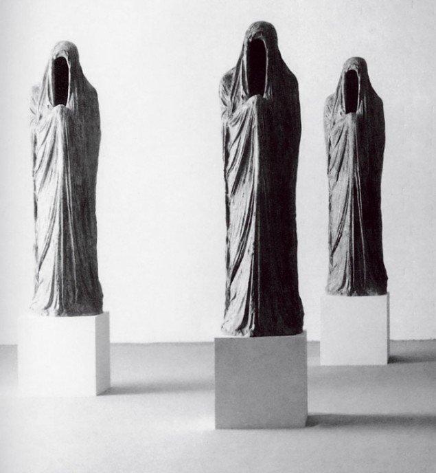 Christian Lemmerz: Gestalt, fra udstillingen Skrevet i vand, Århus Kunstmuseum, 1988. (Foto: Poul Pedersen)