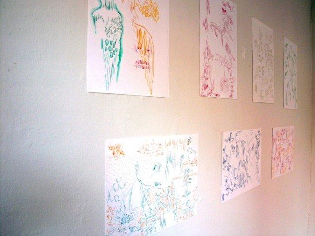 Samling af Nishitakes skitseagtige tegninger. Foto Sergei Sviatchenko