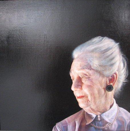 Thomas Kluge, Min farmor. Det skarpe lys og de tydelige tegn på alderdom vidner om dødens tilstedeværelse. Men blikket har livskraft og styrke. Foto: Anne Mette Thomsen